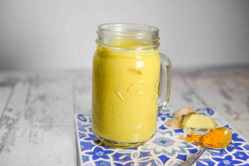 Mango anti-inflammatory Smoothie with turmeric and ginger