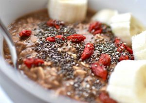 Protein oats with banana & goji