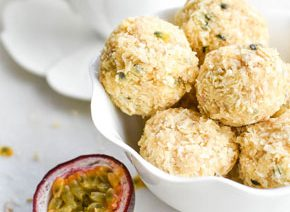 Passion fruit coconut macaroons with green tea