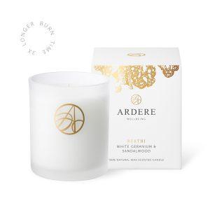 Reethi Candle White Geranium & Sandalwood